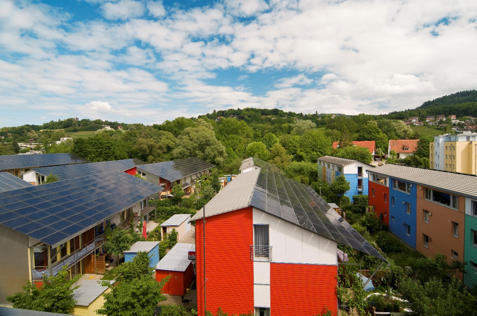 Project and City: Solar settlement in the Vauban district, Freiburg, Germany Technology: Solar PV, bioenergy.